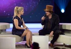 """Beatrice Egli als Gastgeberin in der Show """"Beatrice Egli - die grosse Show der Träume"""" - hier mit dem italienischen Superstar Zucchero. (Bild: Keystone)"""