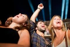 Die Toten Hosen rissen die Fans zu Begeisterungsstürmen hin. (Bild: Benjamin Manser)