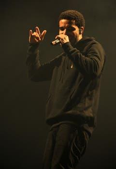 Drake flirtet mit seinen Fans. (Bild: Reto Martin)