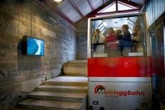 Teil des Gallus-Jubiläums: eine Videoinstallation in der Mühleggbahn-Station. (Bild: Urs Bucher)