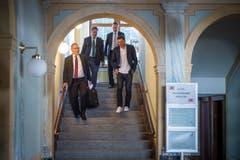 Jan Ullrich verlässt nach der Urteilsverkündigung das Weinfelder Rathaus. (Bild: Benjamin Manser)