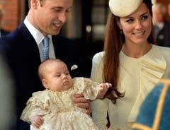 Am 23. Oktober 2013 wurde Prinz George in der königlichen Kapelle des St.James Palasts getauft. (Bild: Keystone)