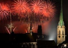 Feuerwerk über der Stadt Zürich. (Bild: Keystone)