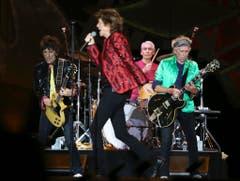 Die Rolling Stones pflegen die britische Esskultur. Sie haben backstage darum gerne Shepherd's Pie und die Würzsauce HP Sauce. Der Rider listet ausserdem auf: Pinsel, einen Snookertisch, einen Fernseher, auf dem Cricketspiele empfangen werden können sowie eine Toilette auf Rädern. (Bild: Keystone)