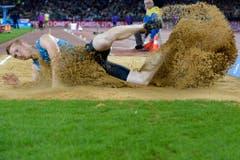 Der Engländer Greg Rutherford mit starkem Einsatz beim Weitsprung. (Bild: Keystone)