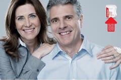 Diesen Photoshop-Fehler hat die Werbeagentur Y&R absichtlich in eine Werbung für Zahnseide eingebaut. Die Idee dahinter: Die meisten Leute bemerken zwar die Essensreste zwischen den Zähnen des Mannes - nicht aber, dass die Hand der Frau sechs Finger hat. (Bild: Y&R)