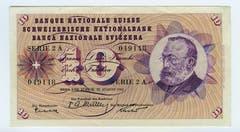 Die fünfte Serie (die vierte kam nie in Umlauf) wurde ab 1956 ausgegeben. Im Bild: Die 10er-Note mit dem Porträt von Gottfried Keller. (Bild: Archiv der SNB)