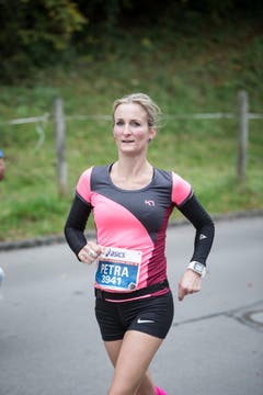 Die Läuferinnen und Läufer sind unterwegs (Bild: Manuela Jans-Koch/LZ)