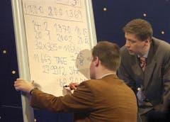 """Günther Jauch am 20. Januar 2002, in der RTL-Sendung """"Die Grips Show"""". (Bild: Keystone)"""