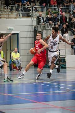 Am Ball: Nemanja Kovacevic (Bild: Manuela Jans- Koch)