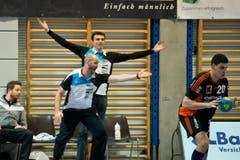 HCK-Trainer Heiko Grimm am Spielfeldrand. (Bild: Dominik Wunderli / Neue LZ)