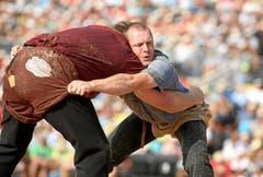 Christian Stucki (L) kämpft im 4. Gang gegen Martin Koch (R). (Bild: Swiss-Image)