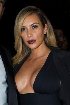 Im Oktober 2013 präsentierte sich Kim Kardashian mit blondem Haar. (Bild: Keystone)