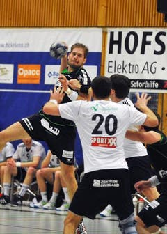 Daniel Baverud beim Angriff. (Bild: Corinne Glanzmann / Neue LZ)