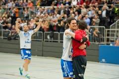 Die Krienser bejubeln den Einzug in die Finalrunde. Von Links nach Rechts: Boris Stankovic, Luca Spengler und Roman Schelbert (Bild: Dominik Wunderli (Neue LZ))