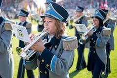 Grosse Töne: Eine Musikgesellschaft bläst den Marsch. (Bild: Keystone / Jean-Christophe Bott)