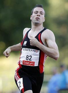 Pascal Müller vom BTV Aarau wird über 200 Meter Achter. (Bild: Keystone)