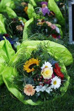 Blumen für die Sieger (Bild: Jakob Ineichen / Neue LZ)