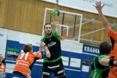 HC Kriens (grün) gegen Kadetten Schaffhausen (orange) in der Krauerhalle in Kriens. (Bild: Pius Amrein / Neue LZ)