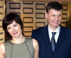 Am 13. Februar 2005 besucht Günther Jauch die Verleihung des Deutschen Medienpreis mit seiner Lebensgefährtin Thea Sihler. Bis zuletzt verwahrte er sich gegen die Berichterstattung über seine Hochzeit mit Thea Sihler (sie haben vier Kinder) im Jahr 2006. (Bild: Keystone)