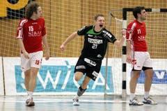 Yves Petrig bejubelt einen Treffer. (Bild: Philipp Schmidli / Neue LZ)