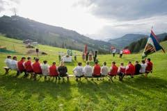 Der Berggottesdienst bei der Schwingerarena auf der Rigi. (Bild: Urs Flüeler, Keystone / Rigi Staffel, 09.07.2017)