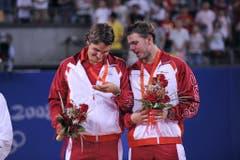 Roger Federer (links) und Stan Wawrinka, Gold im Tennis-Doppel, 2008 in Peking. (Bild: AP/ Diego Azubel)