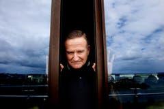 Robin Williams posiert für die Fotografen in Sydney, Australien. (Bild: Keystone)