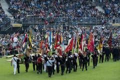 Parade der Fahnenträger. (Bild: Keystone)