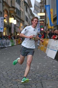 Daniel Lustenberger, Sieger Männer M20, am Luzerner Stadtlauf (Bild: Philipp Schmidli / Neue LZ)