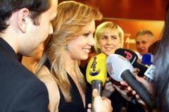 Ariella Kaeslin beim Interview-Marathon nach ihrer Wahl zur Schweizer Sportlerin des Jahres. (Bild: André Häfliger/Neue LZ)