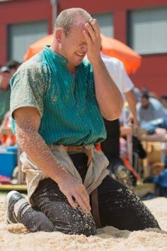 Bruno Gisler nach der Niederlage gegen Joel Wicki im 5. Gang. (Bild: Keystone/Urs Flüeler)