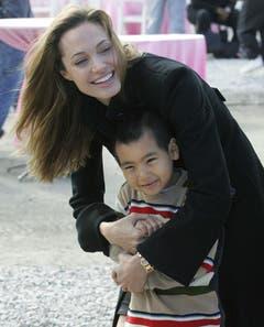Jolie mit Sohn Maddox. (Bild: Keystone)