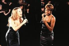 1998 erschien Houstons viertes Studioalbum «My Love Is Your Love». Es enthält unter anderem die Hit-Singles «My Love Is Your Love» und «It's Not Right But It's Okay» sowie das Duett «When You Believe» mit Mariah Carey (im Bild). (Bild: Imago)