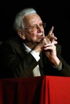 Walter Roderer bei seinem letzten Bühnenautritt in Bischofszell im Jahr 2006. (Bild: Archiv Neue LZ)