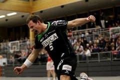 Pascal Willisch bejubelt seinen Treffer. (Bild: Philipp Schmidli / Neue LZ)