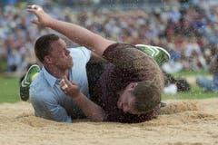 Christian Stucki wehrt siich vergeblich gegen die Niederlage. (Bild: Keystone)