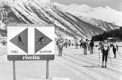 1987: Die Skatingtechnik setzt sich durch. Erstmals wird sie 1987 offiziell zugelassen. Es werden Loipen für Klassisch und Skating vorbereitet. (Bild: Keystone)
