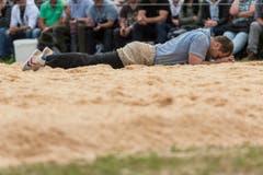 Der fÜhrende Stefan Studer erleidet eine Niederlage im 4. Gang. (Bild: kEYSTONE / ALESSANDRO DELLA VALLE)