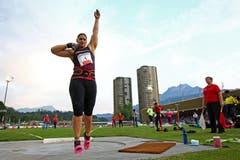 Valerie Adams gewinnt mit 20,76 Metern beim Kugelstossen. (Bild: Philipp Schmidli / Neue LZ)