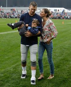 Gisele Bündchen ist seit 2006 mit dem Footballspieler Tom Brady liiert. Seit 2009 sind sie verheiratet. Das Paar hat zwei Kinder. (Bild: Keystone)
