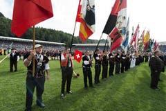 Parade der Sektionsfahnenträger. (Bild: Keystone)