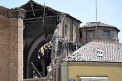 In der Stadt stürzte eine Kirche ein. (Bild: Keystone / AP)