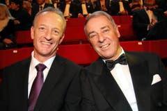 Sassen nebeneinander im TV-Studio: Gary Furrer (links) und Adolf Ogi. (Bild: André Häfliger/Neue LZ)