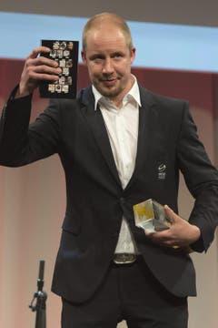 Mathias Seger von den ZSC Lions wurde als beliebtester Spieler der vergangenen Saison ausgezeichnet. (Bild: Keystone)
