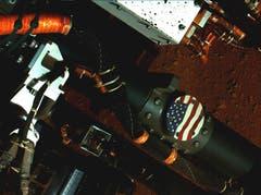 Eine US-Flagge an Curiosity. (Bild: Keystone / Nasa)