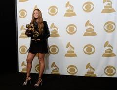 Beyonce Knowles mit den Awards Best R&B Performance, Best R&B Song und Best Surround Sound Album. (Bild: Keystone)