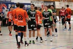 Die Krienser Spieler Benjamin Steiger und Yves Petri nach dem Schlusspfiff. (Bild: Roger Zbinden / Neue LZ)
