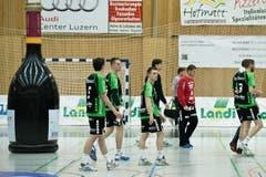 Die resignierten Krienser nach dem Spiel in der Krauerhalle in Kriens. (Bild: Pius Amrein / Neue LZ)