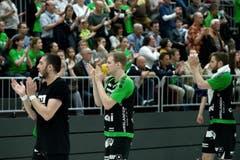 Boris Stankovic (links), Yves Mühlebach und Daniel Fellmann (rechts) nach dem Spiel. (Bild: Pius Amrein / Neue LZ)